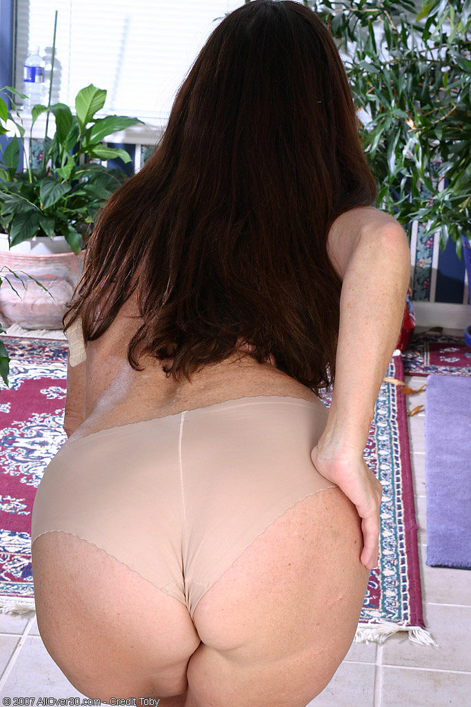 Mature Tight Panty Ass. Posted by pantyfetish on July 1, 2009